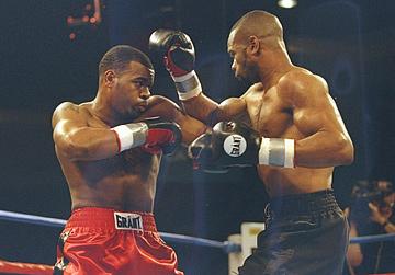 7 августа 1997 года. Полутяжёлый вес. Соперник – Монтелл Гриффин.
