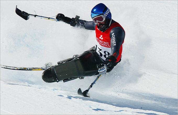 Скоростной спуск был добавлен в паралимпийскую программу в 1984 году