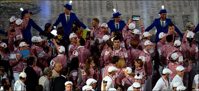 Церемония закрытия Олимпиады. Наши ребята