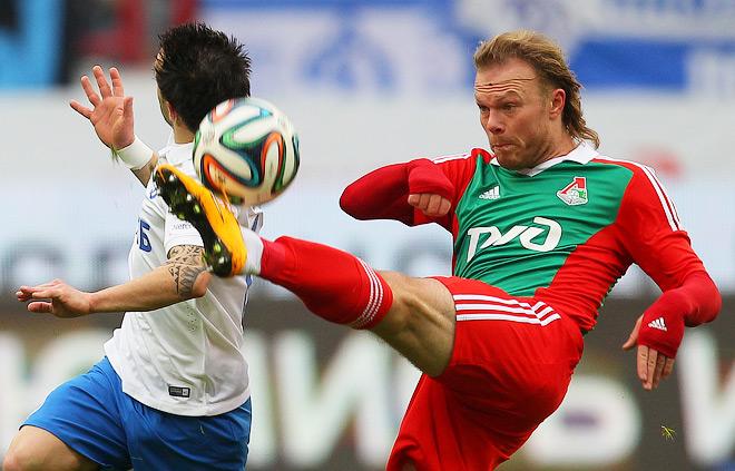 Виталий Денисов (справа)