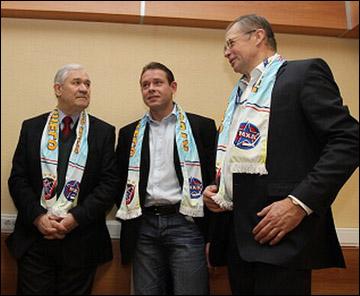 Павел Буре (в центре) с Владимиром Юрзиновым и Александром Медведевым