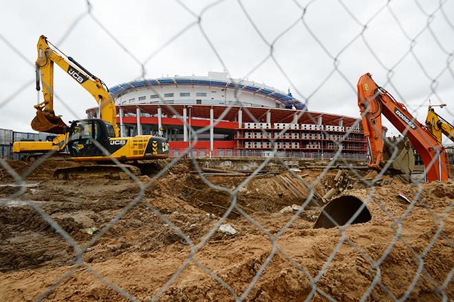 С начала 2013 года арена «Мегаспорт» закрыта – как утверждалось в некоторых источниках, в связи с аварийным состоянием