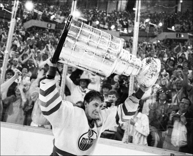 """Фрагменты сезона. 31 мая 1987 года. Эдмонтон. Кубок Стэнли возвращается к """"нефтяникам""""."""