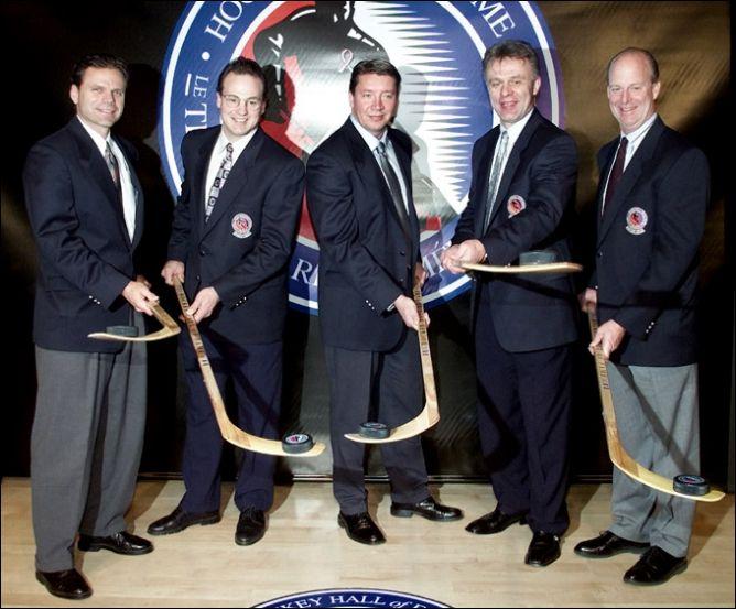 12 ноября 2001 года. Введение в Зал хоккейной славы.