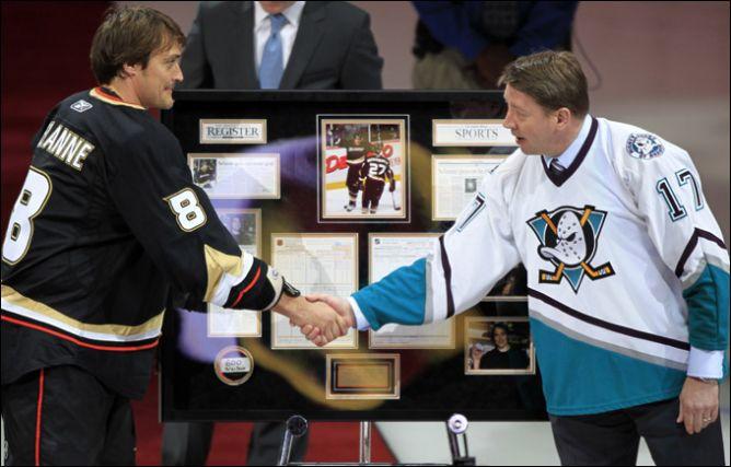 Теему Селянне и Яри Курри — два финна, забросивших более 600 шайб в НХЛ.