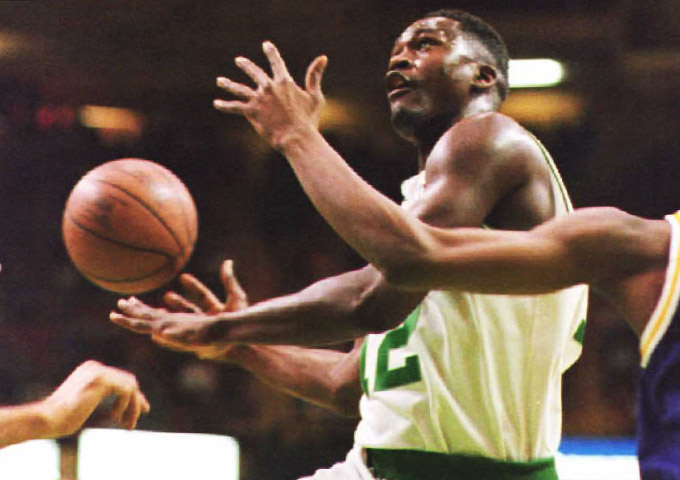 Доминик Уилкинс стал первой настоящей суперзвездой, перебравшейся из НБА в Европу