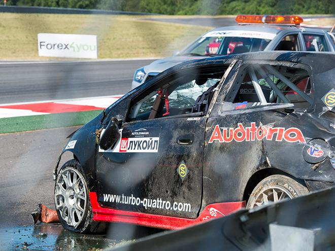 После аварии в позапрошлом году автомобиль Павла Яшина пришлось собирать заново