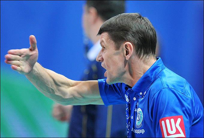 Сергей Очинников, похоже, успешно нашёл общий язык с лидерами женской сборной