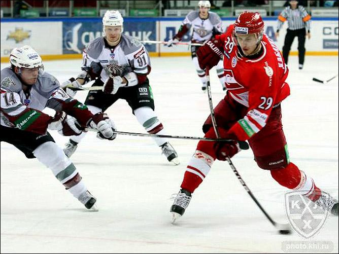 03.10.2010. КХЛ. Спартак - Динамо Р - 3:2. Фото 03.