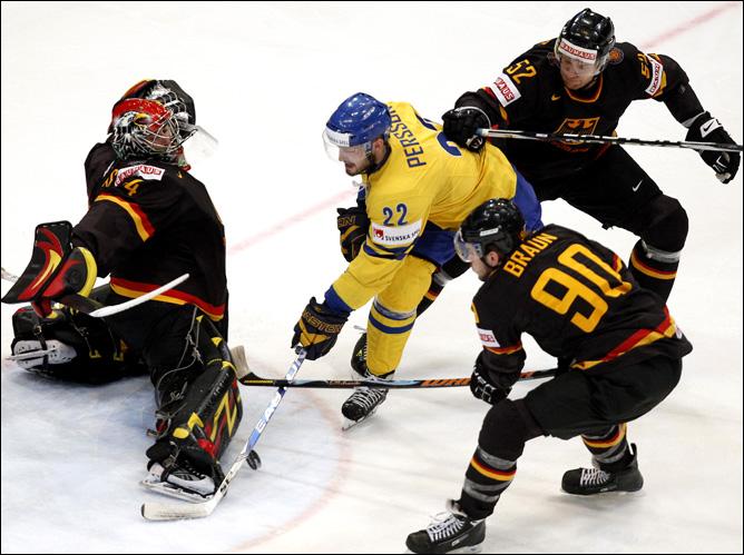 23.05.2010. ЧМ-2010. Матч за 3-е место. Швеция - Германия - 3:1. Фото 03.