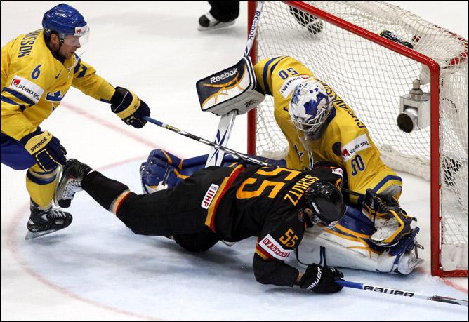 23.05.2010. ЧМ-2010. Матч за 3-е место. Швеция - Германия - 3:1. Фото 05.