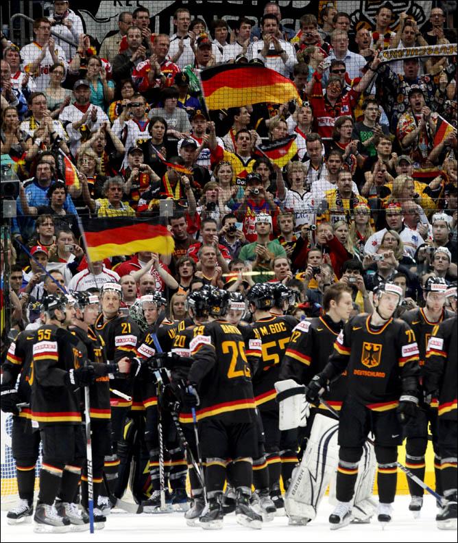 23.05.2010. ЧМ-2010. Матч за 3-е место. Швеция - Германия - 3:1. Фото 06.