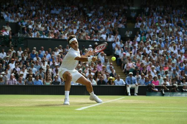 Федерер повёл 2-0 по сетам.