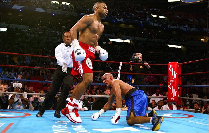 2 февраля 2002 года. Полутяжёлый вес. Соперник – Гленн Келли.