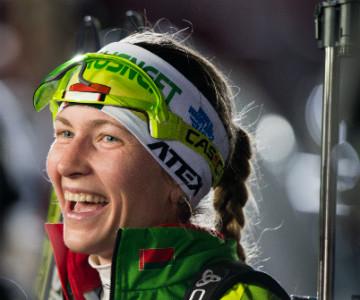 Дарья Домрачева в Оберхофе сделала золотой дубль в спринте и гонке преследования
