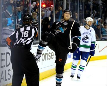 "5 мая 2013 года. Сан-Хосе. Плей-офф НХЛ. 1/8 финала. Матч № 3. ""Сан-Хосе"" — ""Ванкувер"" — 5:2. Джо Павелски"