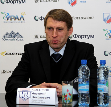 Анатолий Чистяков на послематчевой тренировке
