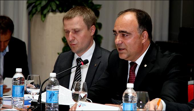 Константин Бондарчук и Герман Скоропупов на закрытии сезона ВХЛ в Санкт-Петербурге