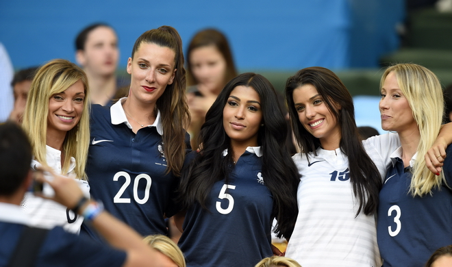 Жёны и подруги футболистов сборной Франции