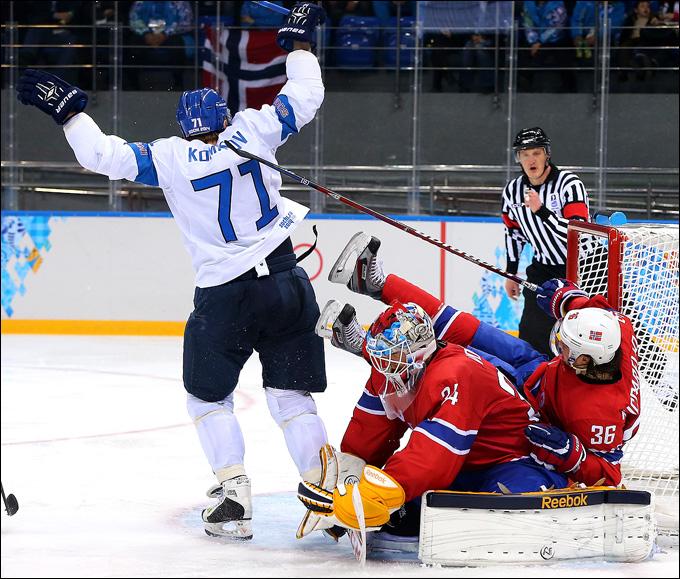 Лео Комаров против сборной Норвегии