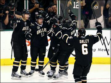 """Как дела, НХЛ? """"Даллас Старз"""". Поздравления принимает Рэй Уитни"""