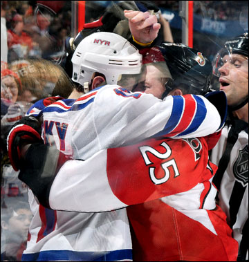 "19 апреля 2012 года. Оттава. Плей-офф НХЛ. 1/8 финала. ""Оттава Сенаторз"" — ""Нью-Йорк Рейнджерс"" — 3:2 (ОТ)"