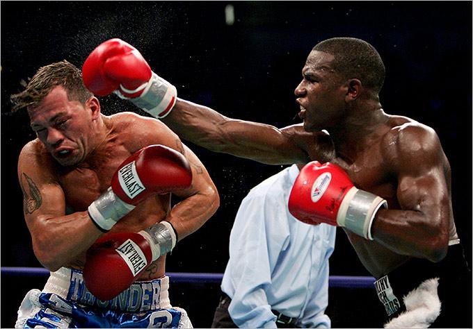 2005 год. Поединок за титул WBC в полулёгком весе. Соперник: Артуро Гатти (Канада). Результат: RTD 6.