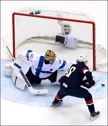 Патрик Кейн и его неудачный буллит в ворота сборной Финляндии