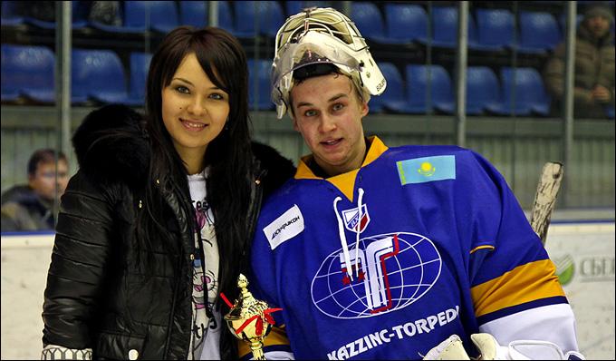 Андрей Янков (справа)