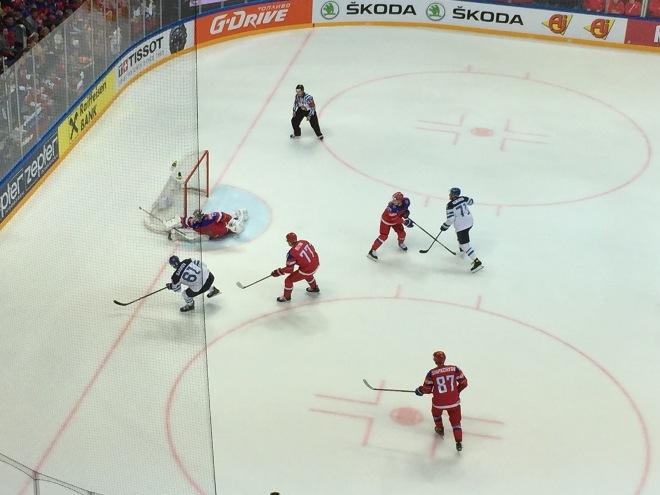Атака сборной Финляндии