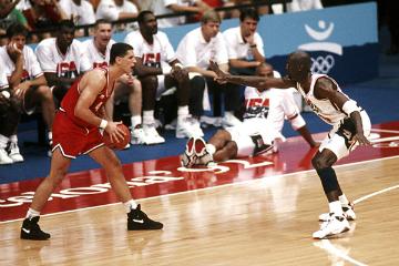 Дражен Петрович в игре против сборной США на Олимпиаде-1992