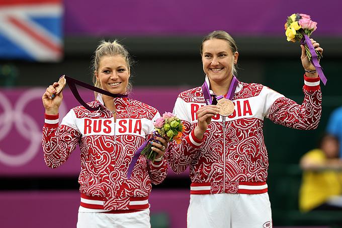 Мария Кириленко и Надежда Петрова с бронзовыми медалями Лондонской Олимпиады