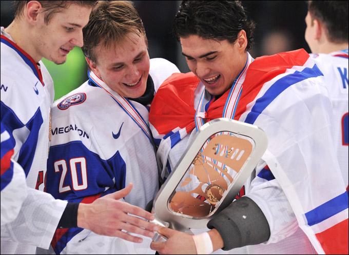 Бронзовые призёры МЧМ-2013 Валерий Ничушкин, Андрей Макаров и Наиль Якупов