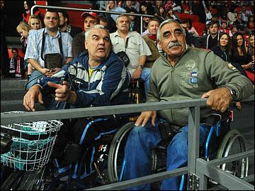 """На стадионе """"Дружба"""" есть места и для людей с ограниченными возможностями"""