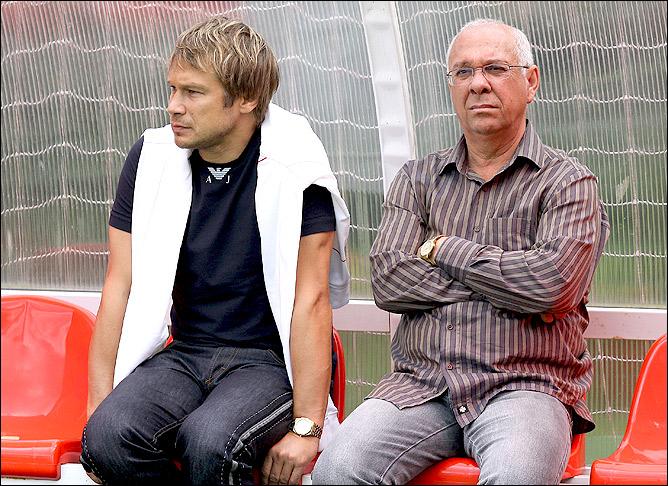 """""""У нас почему-то считают, что спортивный директор — это человек, который сидит и ждёт, когда уволят главного тренера, чтобы занять его место..."""""""