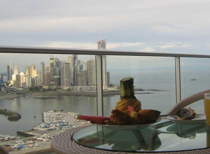 Виталий с супругой хотели остаться жить в Панаме