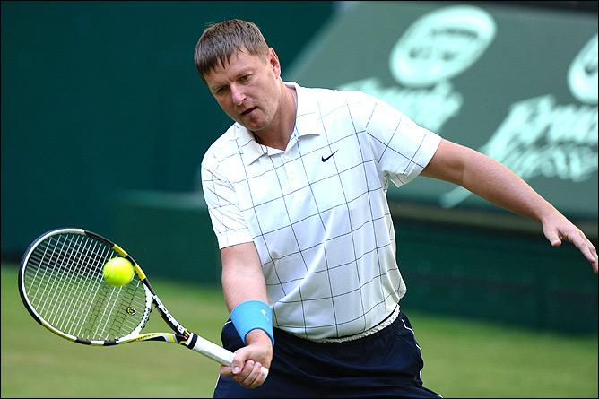 Евгений не был включён в Зал теннисной славы в Ньюпорте