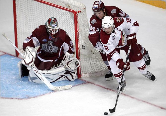 Почему же клубы НХЛ решили больше не приезжать в Россию?