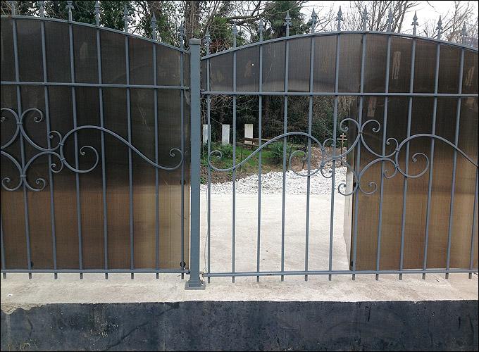 Смерть в центре жизни: кладбище в Олимпийском парке больше не прячет свои могилы
