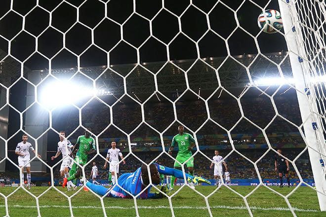 Штанга спасает ворота сборной Нигерии