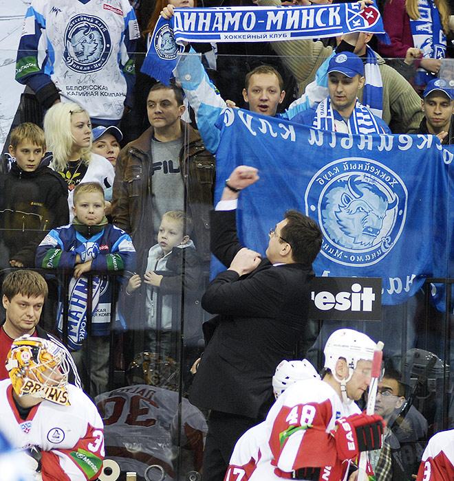 Андрей Назаров общается с минчанами