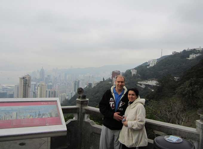 Виталий Лункин с супругой в Гонконге
