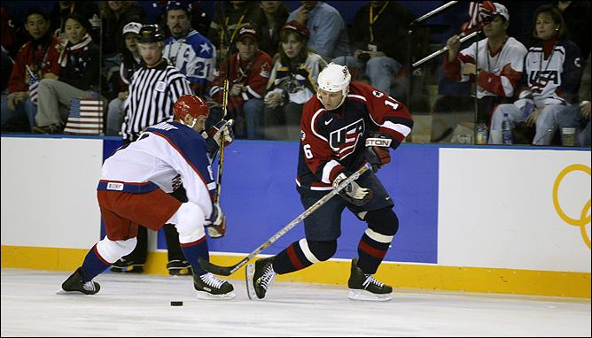 Олимпиада-2002. Бретт Халл (США) против Игоря Ларионова (Россия)