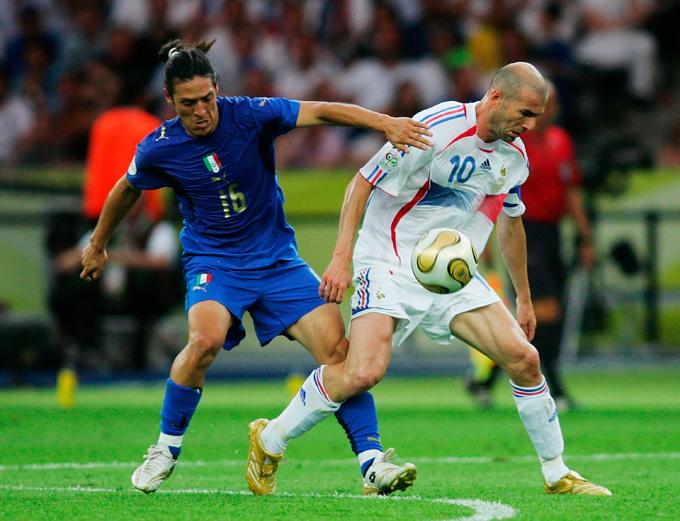 В 2006 году итальянцы выиграли чемпионат мира, а Каморанези стал одним из ключевых игроков в команде Марчелло Липпи