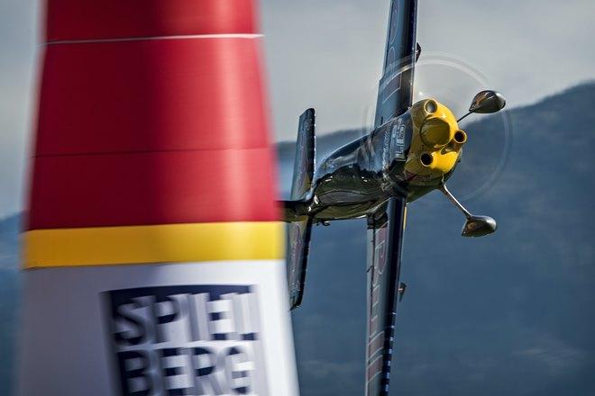 Попасть в Red Bull Air Race очень нелегко