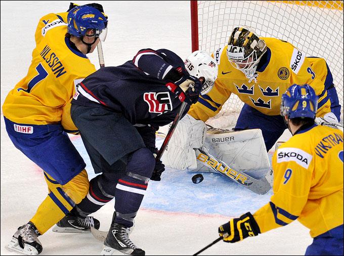 Алекс Гальченюк против сборной Швеции