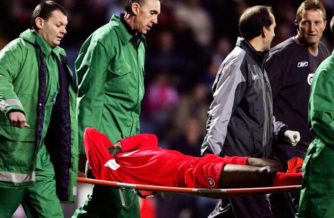 Лишь благодаря своевременному вмешательству врачей Сиссе удалось избежать ампутации ноги