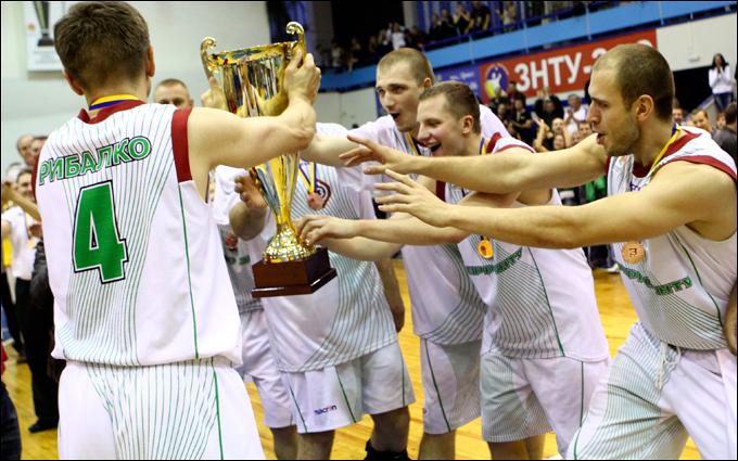 "За три сезона ""Ферро-ЗНТУ"" выиграл две ""бронзы"" и Кубок-2011"