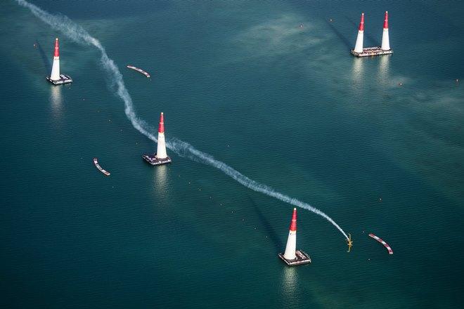 Грамотная траектория в Red Bull Air Race — наше всё!
