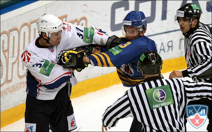 Эрик Рейтц (слева) против Николая Жердева